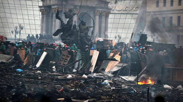 Protesters maintain their barricades in Kiev square