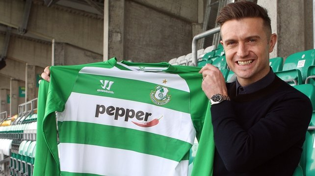 Stephen McPhail has returned to Shamrock Rovers after a 19-year playing career in England