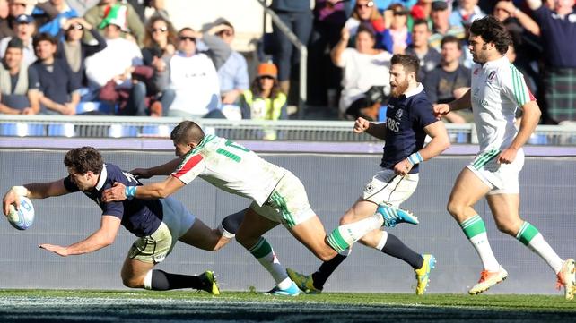 Alex Dunbar touches down against Italy