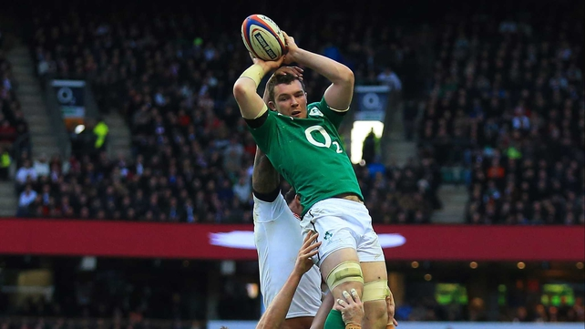 Peter O'Mahony picked up a hamstring strain against England
