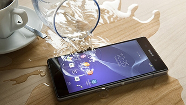 Sony's Xperia Z2 has a Phosphor LED display, which is 13.2cm in size