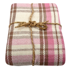 Pink cotton check throw €15
