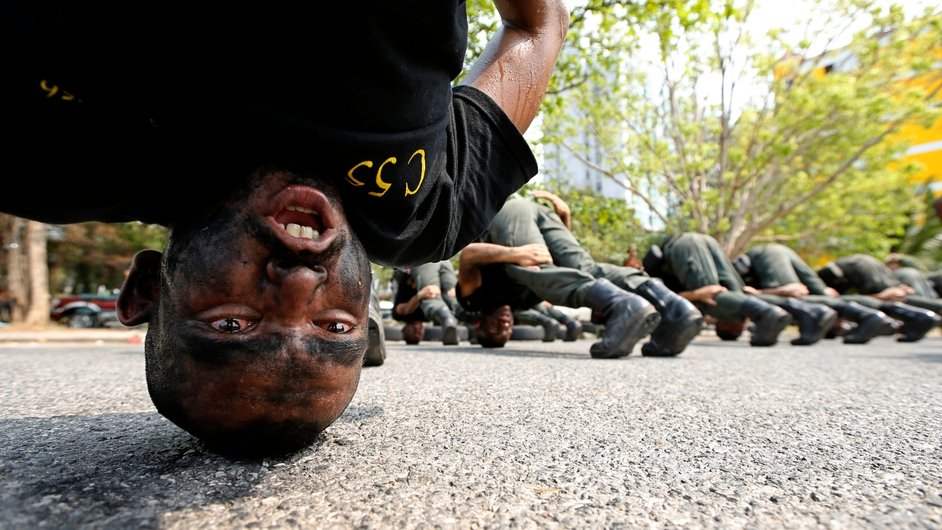 Thai police commandos perform a drill during a training session at the Crime Suppression Division in Bangkok (Pic: EPA)