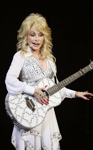 Dolly Parton's Jolene has sold 214,279 digital copies in the UK since Glasto