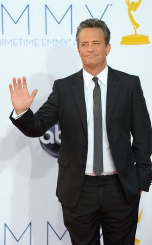 Matthew Perry's remake of The Odd Couple has been given the go-ahead by US network CBS