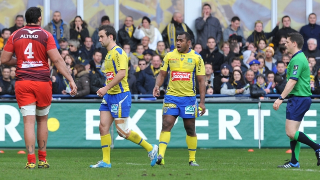Morgan Parra is sent from the field against Montpellier