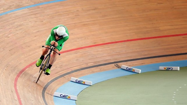Martyn Irvine won silver in the scratch race on Thursday