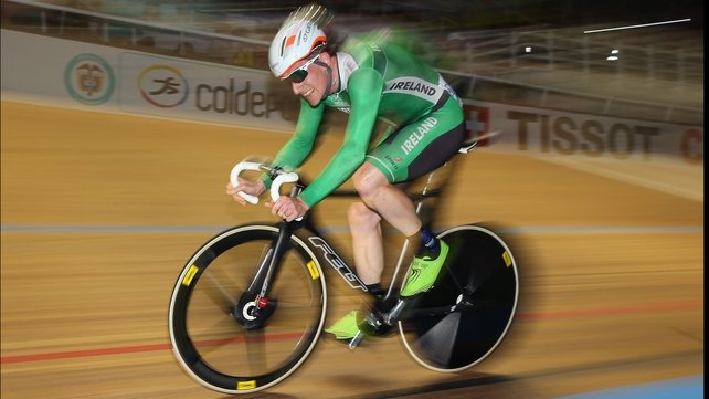 Martyn Irvine in action during the points race