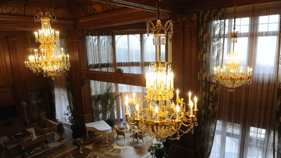 Chandeliers in the sitting room