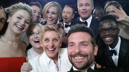 The record-breaking Oscars selfie from this year's show