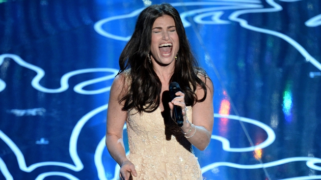 Idina Menzel performing at Sunday's Oscars