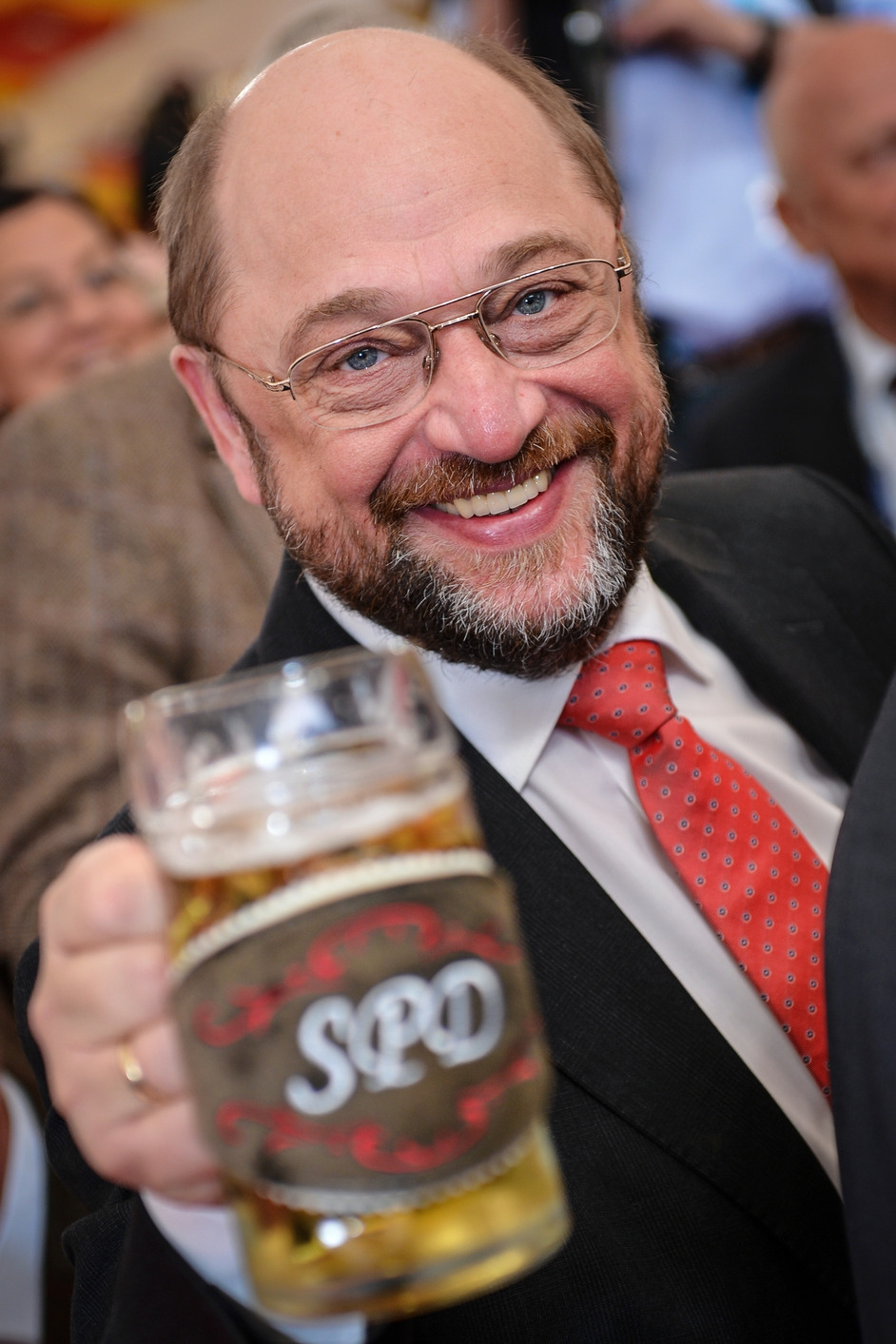 EU Parliament President Martin Schulz drinks beer during the SPD Political Ash Wednesday rally in Vilshofen, Germany (Pic: EPA)