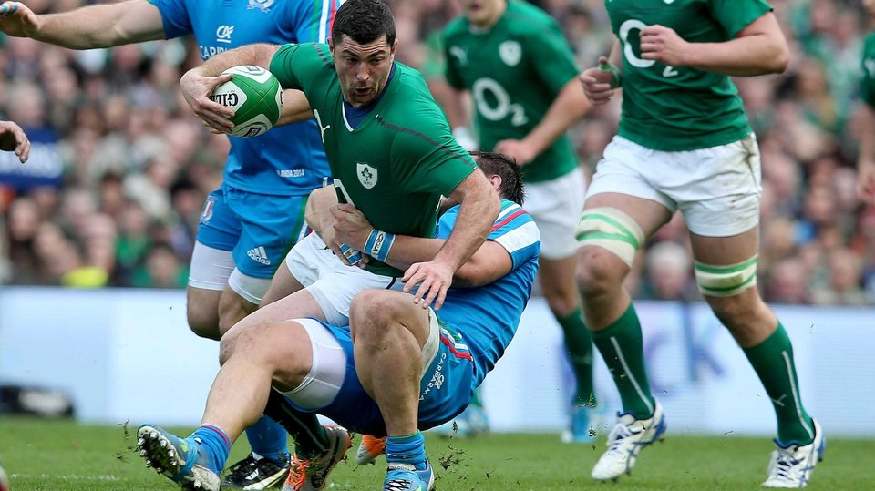 Rob Kearney is stopped in his tracks by Lorenzo Cittadini