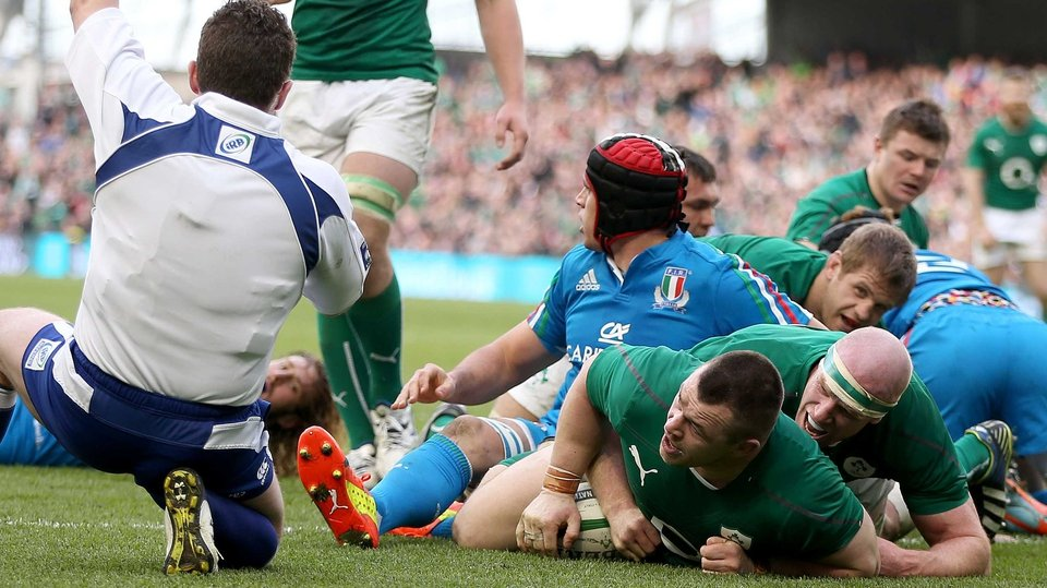 Cian Healy scored Ireland's third try of the afternoon