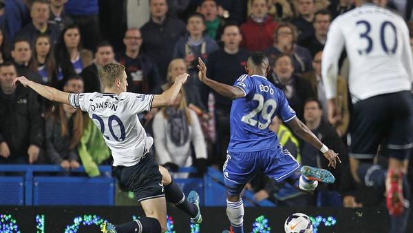 Samuel Eto'o gives Chelsea the lead against Tottenham