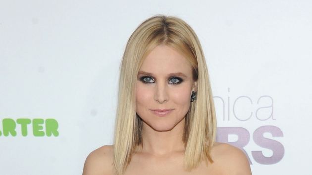 Kristen Bell went for a gothic look at the Veronica Mars movie premiere