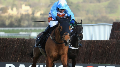 Tom Scudamore steered Western Warhorse to a surprise triump