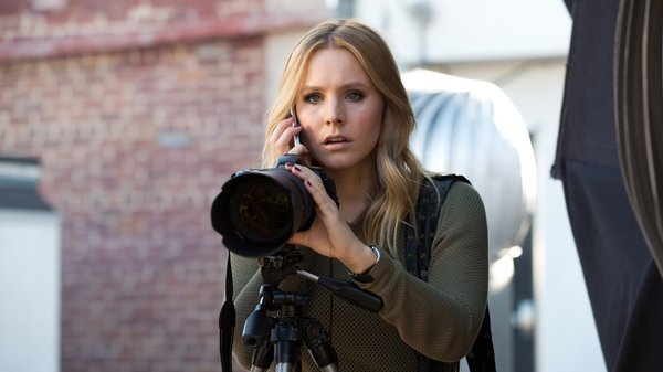 Kristen Bell  reprises her role as snarky sleuth Veronica Mars