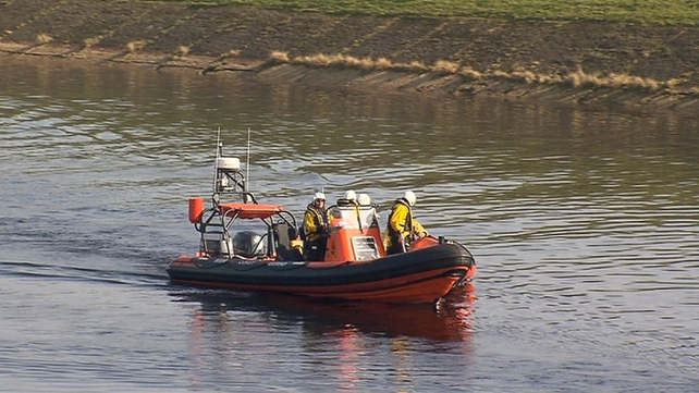 Searches of the River Shannon continued today for two men missing for several days