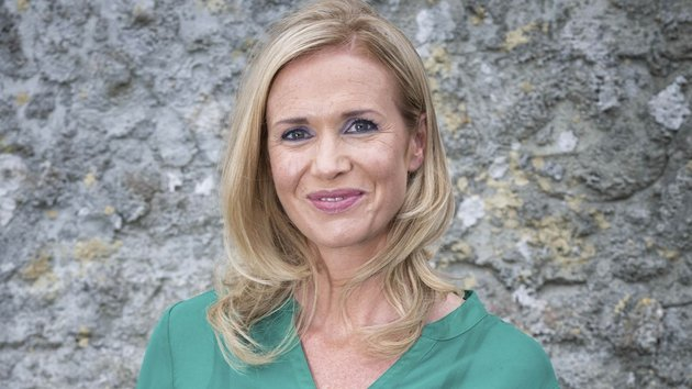 Caitriona lays down the law with Pearse