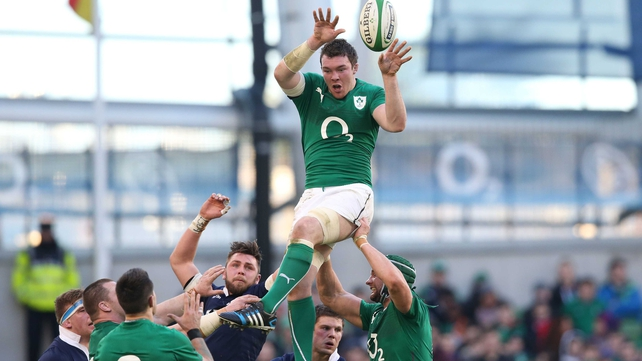Peter O'Mahony starts for Ireland as they attempt to win the 6 Nations title