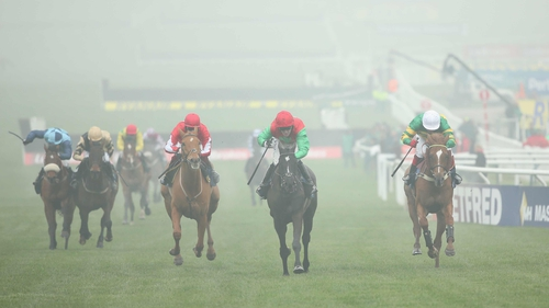 Taquin Du Seuil's ample stamina enabled him to reel in Uxizandre