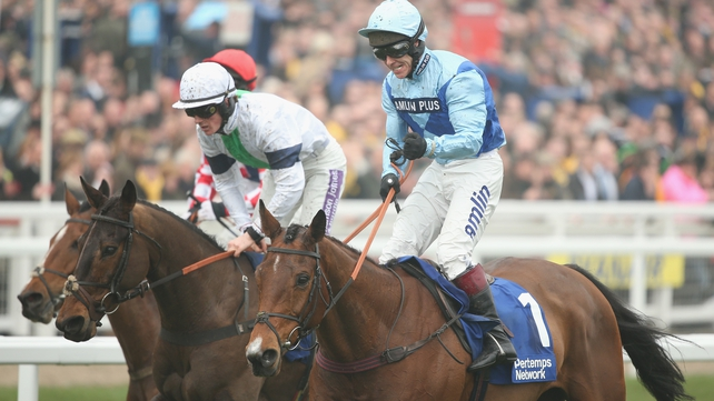 Fingal Bay and Richard Johnson just about justified favouritism