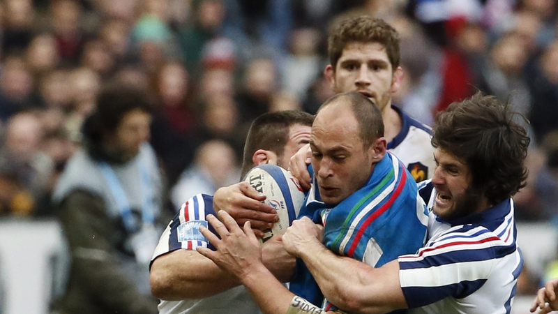Sergio Parisse is double tackled playing against France