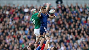 Paul O'Connell contests a lineout