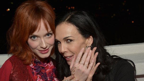 L'Wren Scott (right) pictured with Mad Men star Christina Hendricks
