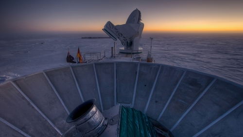 The BICEP2 and South Pole Telescope which were used to make the discovery (Pic: EPA)