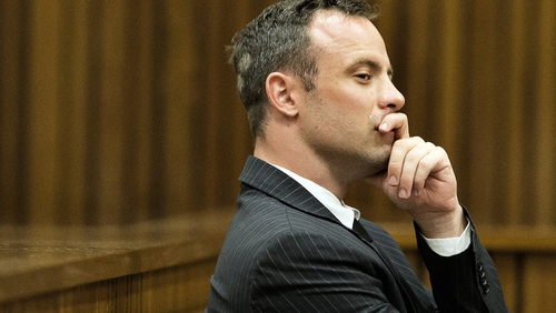 Oscar Pistorius cried during testimony by a ballistics expert