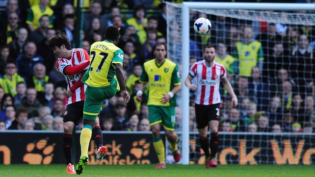 Alex Tetley scores Norwich's second goal