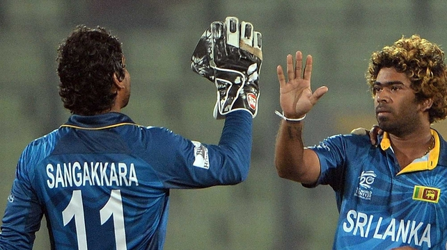 Sri Lankan bowler Lasith Malinga (R) and team-mate Kumar Sangakkara (L) will travel to Ireland in May