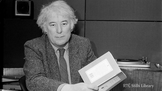 Seamus Heaney, 1987© RTÉ Archives 2259/026