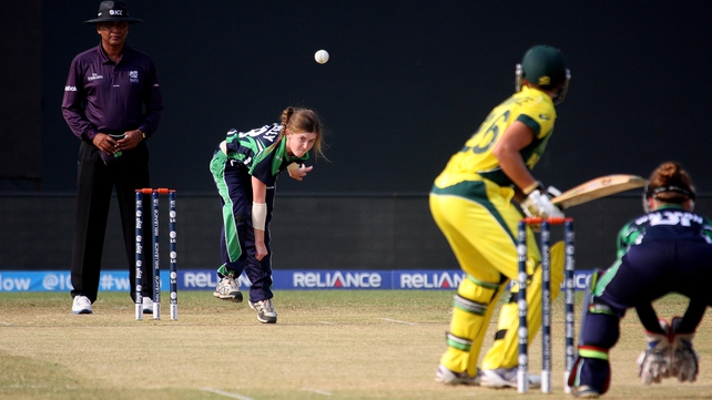 Ireland's 14-year-old Lucy O'Reilly bowling
