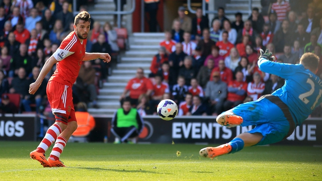 Jay Rodriguez of Southampton scores the opening goal past Newcastle goalkeeper Robert Elliot