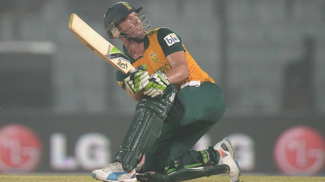 AB de Villiers hit 69 no for South Africa