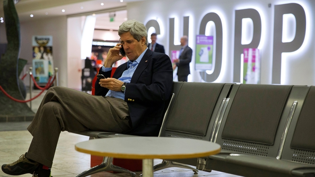 US Secretary of State John Kerry changed his travel plans to fly to Paris to meet Sergei Lavrov