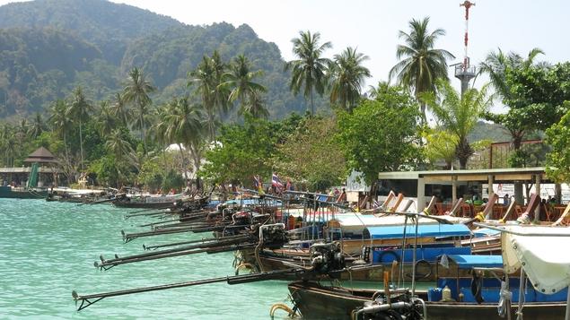 Phi Phi port
