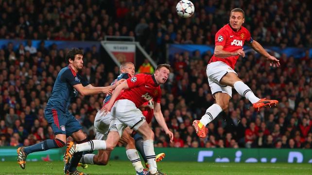 Nemanja Vidic heads home for Manchester United