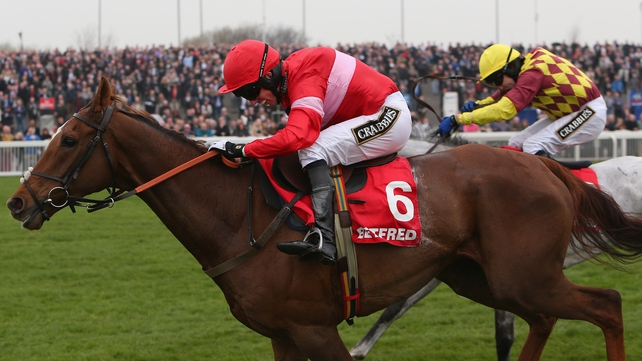 Silviniaco Conti stormed to victory in the Betfred Bowl