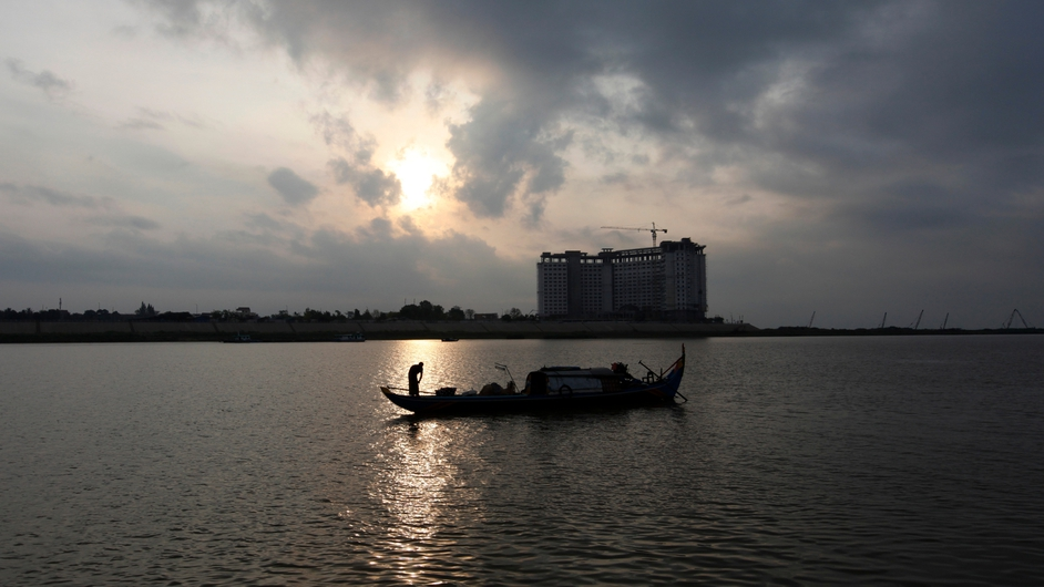 A Cambodian fishing boat in seen on the Mekong River in Phnom Penh, Cambodia (Pic: EPA)