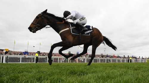 Beat That overcame a 119-day absence to triumph in the Sefton Novices' Hurdle