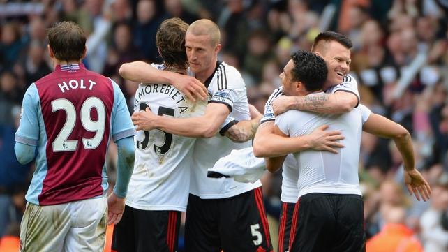Fernando Amorebieta, Brede Hangeland, John Arne Riise and Kieran Richardson celebrate Fulham's victory