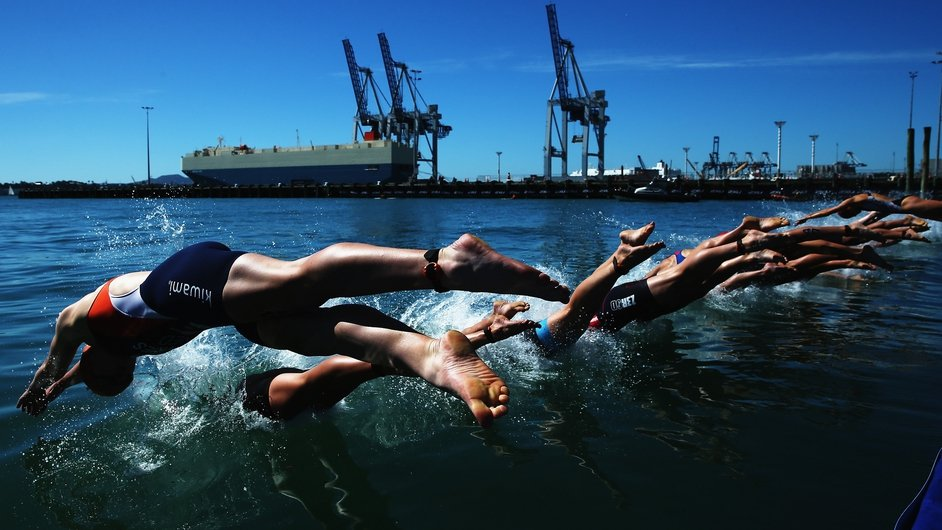 Competitors begin the swimming leg at the ITU World Triathlon Elite Women's race in Auckland