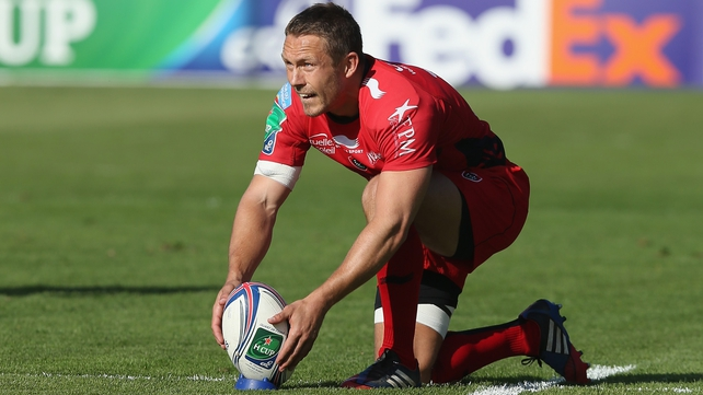 Jonny Wilkinson lines up a kick at goal