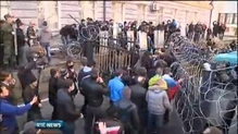 Pro-Russian protesters storm government buildings