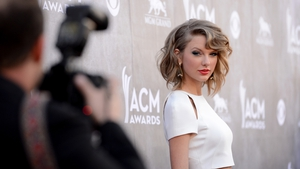 Taylor Swift on the red carpet at The   Country Music Awards