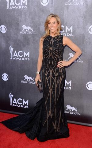 Sheryl Crow looked elegant in her floor length black dress